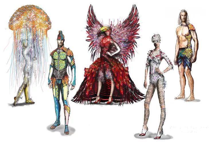 余件制作精良的服装及配饰,设计灵感均来自海洋元素,并采用适合水舞台