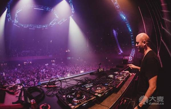 Future Sound of ALY & FILA