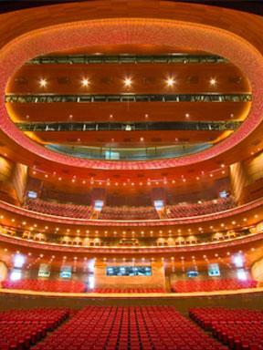 《戏台》三部曲之《惊梦》