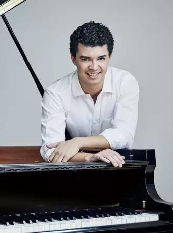 西班牙钢琴诗人莱昂•玛利亚独奏音乐会