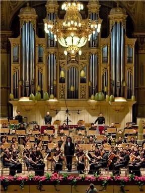 """""""夏日的微风""""中国广播民族乐团大型民族管弦乐音乐会"""