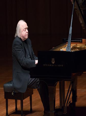 钢琴鬼才阿凡纳西耶夫