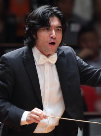 洪毅全与国家大剧院管弦乐团、合唱团