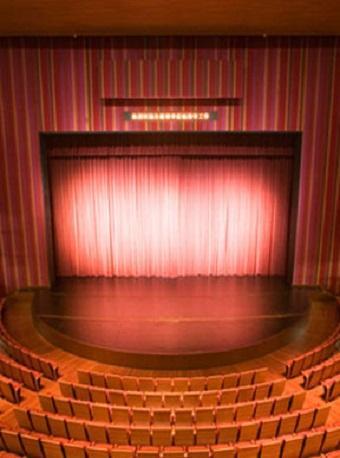 北京京剧院京剧《锁麟囊》