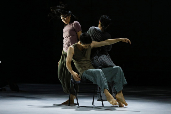 时间之中,意识之外—侯莹舞蹈剧场新作《意外》北京首演